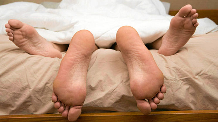 Robber Hides Inside Bedroom Watches Couple Make Love At Night P M Express